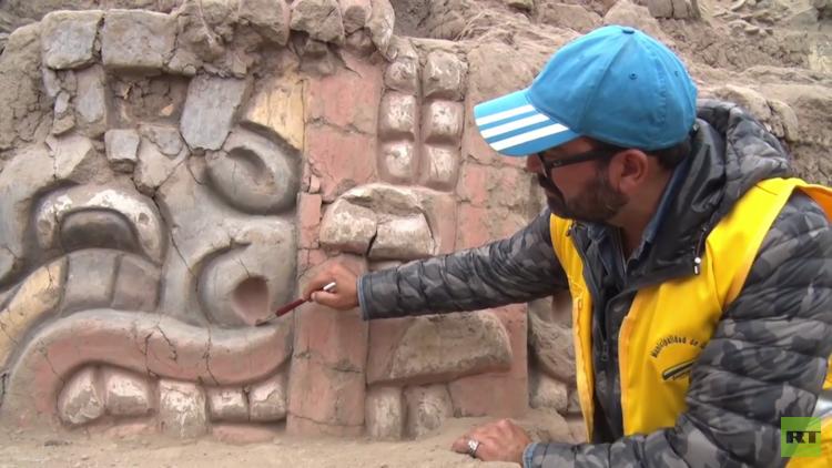 VIDEO: Desentierran figuras de 3.500 años de antigüedad en un santuario prehispánico en Lima