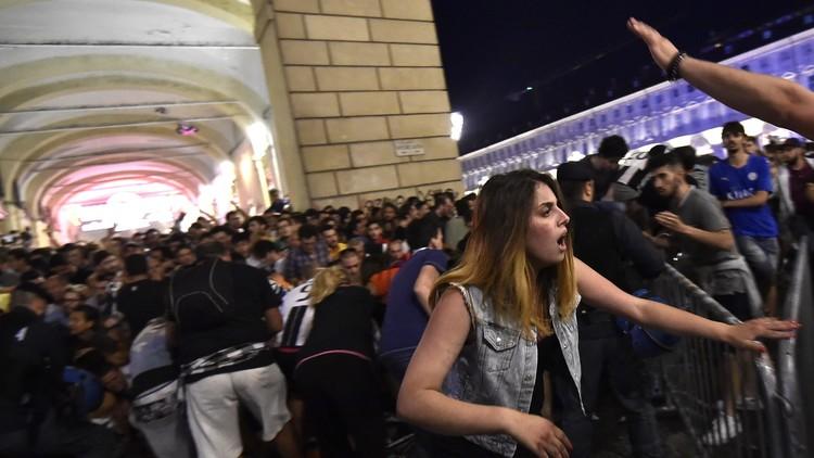 VIDEO, FOTOS: Pánico y heridos tras un confuso episodio en la 'fan zone' de la Juventus