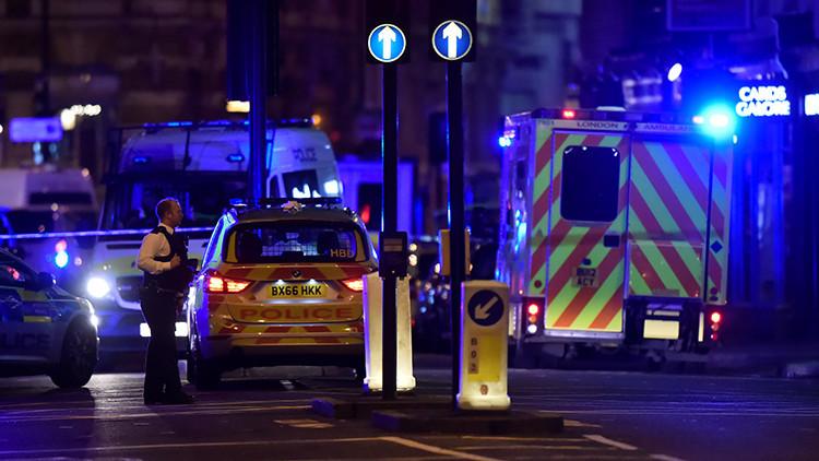 Reportan que un desconocido hiere a varias personas en un restaurante cerca del Puente de Londres