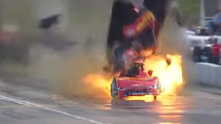 VIDEO: Auto de carreras explota violentamente tras alcanzar más de 500 kilómetros por hora