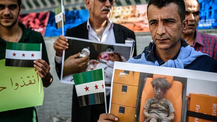 """El padre del niño de Alepo: """"Salvaba a mis hijos mientras los Cascos Blancos grababan"""""""