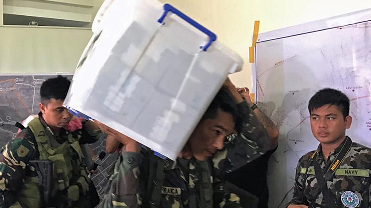 El Ejército filipino descubre 1,6 millones de dólares en paquetes abandonados por los yihadistas