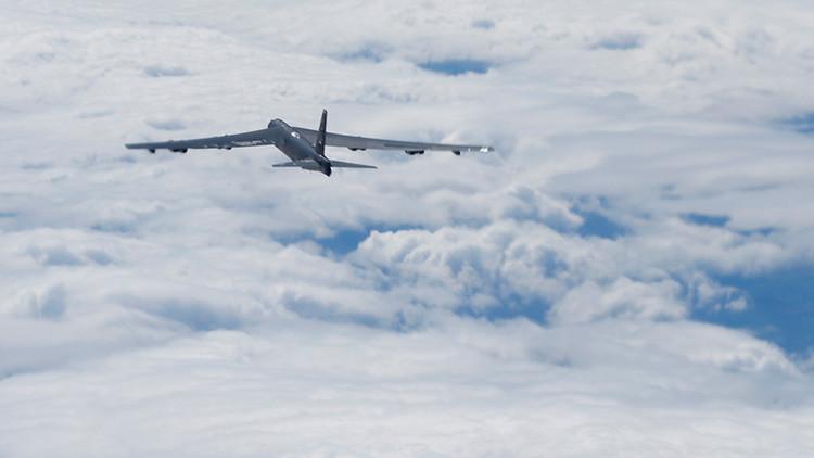 El bombardeo de un B-52 al Estado Islámico en Mosul, visto desde la cabina del piloto (VIDEO)