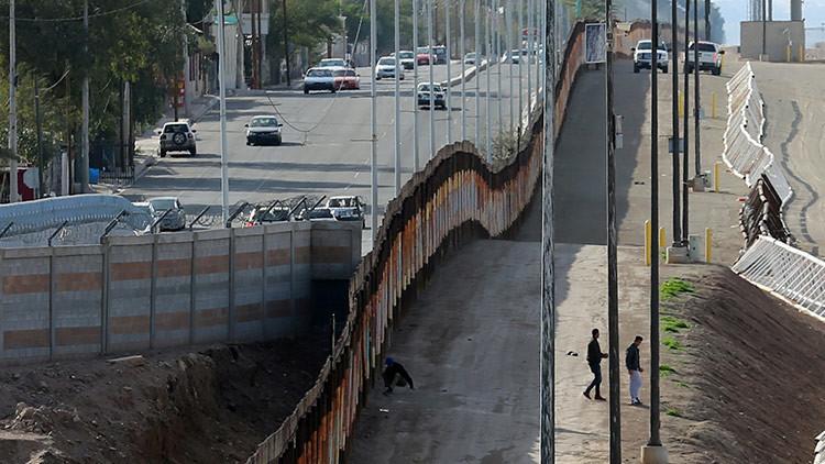 Trump ofrece instalar paneles solares en el muro de la frontera con México