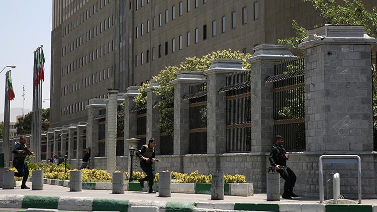 Irán despliega al Ejército cerca del Parlamento