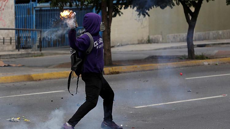 Menor de edad entrenado por grupos violentos revela qué hay detrás de las protestas en Venezuela