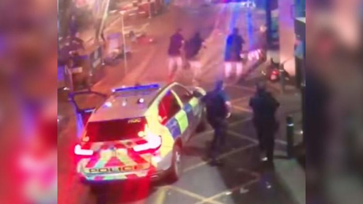 Momento exacto en que la Policía abate a los atacantes del Puente de Londres (Video +18)