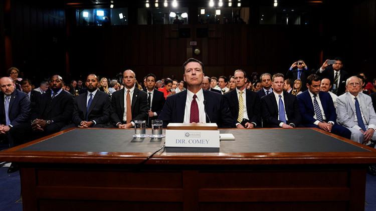 """El abogado de Trump solicita investigar a Comey por divulgar """"comunicaciones privilegiadas"""""""