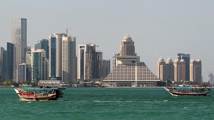 """Ministra emiratí: """"Existen dos escenarios del desarrollo de la crisis con Catar"""""""