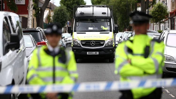 Detienen a un hombre que retuvo con un cuchillo a varias personas en Newcastle (Reino Unido)