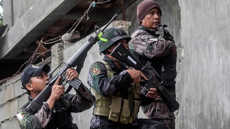 RT recoge los testimonios de los que arriesgan su vida contra el asedio yihadista en Marawi (Video)