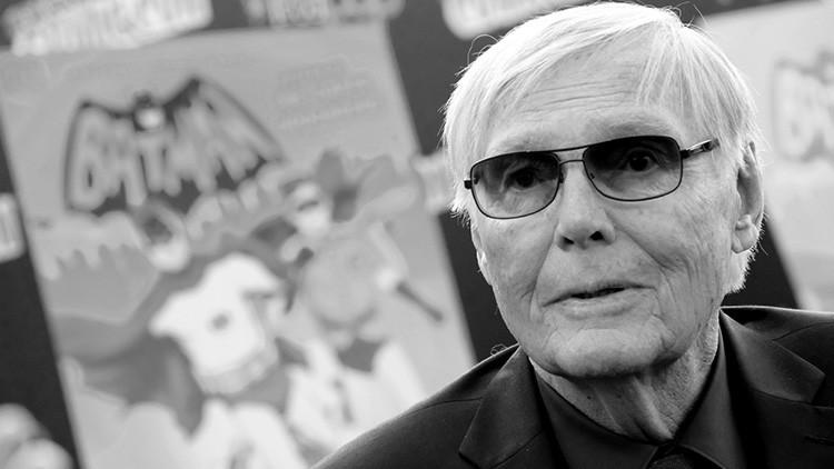 Muere Adam West, actor de la serie original de 'Batman' en televisión (VIDEO, FOTOS)