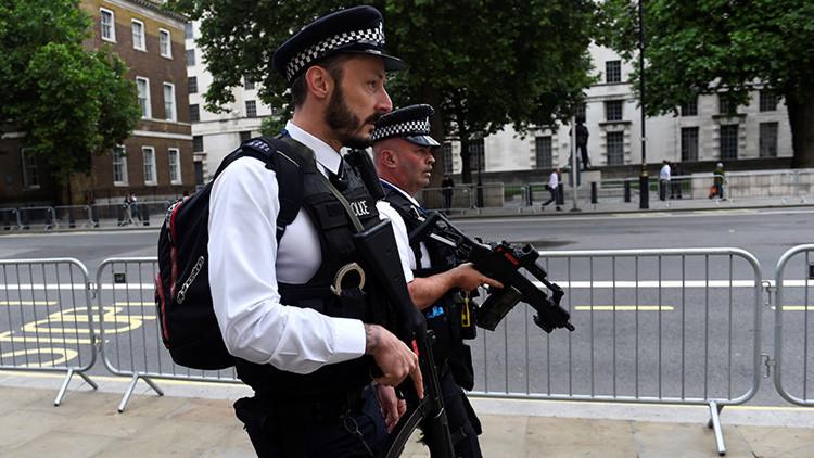 FOTOS: Primeras imágenes de los cinturones suicidas falsos de los atacantes de Londres