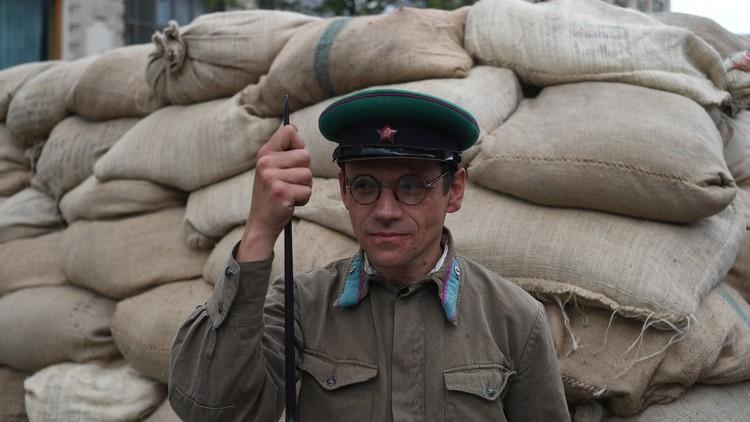 Periodistas occidentales confunden un festival histórico en Moscú con  barricadas contra opositores