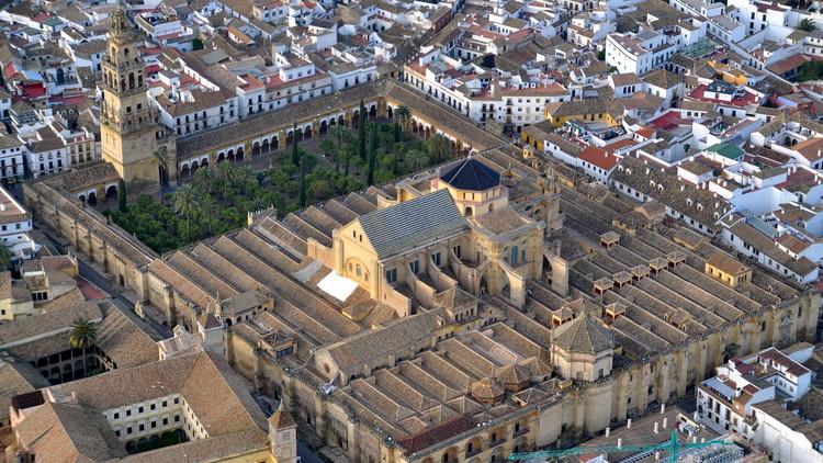 ¿Está Catar detrás de la campaña para arrebatar la Mezquita de Córdoba a los católicos?