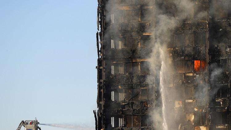 24 pisos, 120 apartamentos: Incendio infernal en Londres, en 10 imágenes estremecedoras