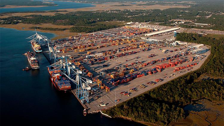 """Evacúan el puerto estadounidense de Charleston por una supuesta """"bomba sucia"""""""