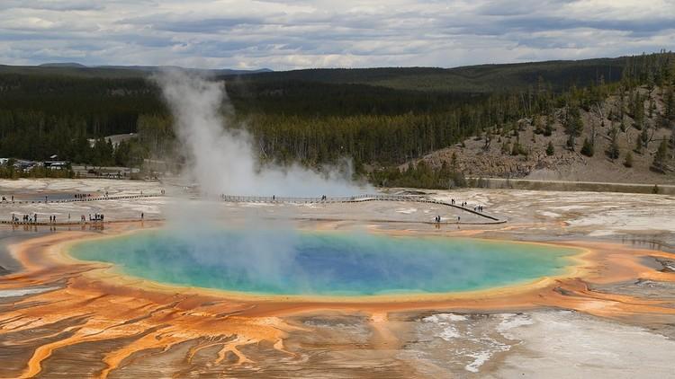 EE.UU.: Un joven sufre graves quemaduras tras caer en peligrosas aguas termales de Yellowstone