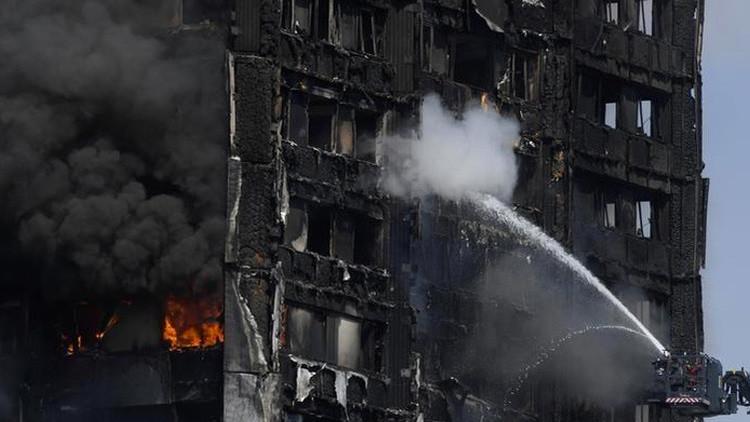 Suman 30 personas muertas por incendio de la Torre Grenfell de Londres
