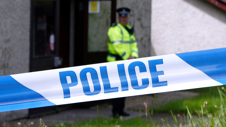 Evacuan un centro comercial en Glasgow después de que un hombre cayera desde un balcón