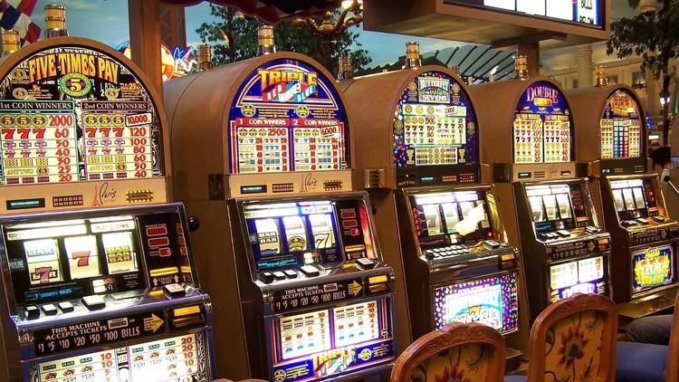 Una mujer demanda al casino que le ofreció una cena en vez del 'jackpot' de 43 millones de dólares