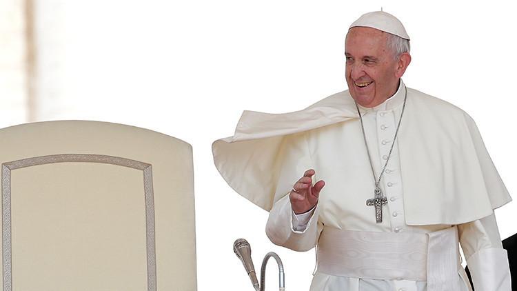 El Papa Francisco anuncia un viaje a Chile y a Perú en 2018