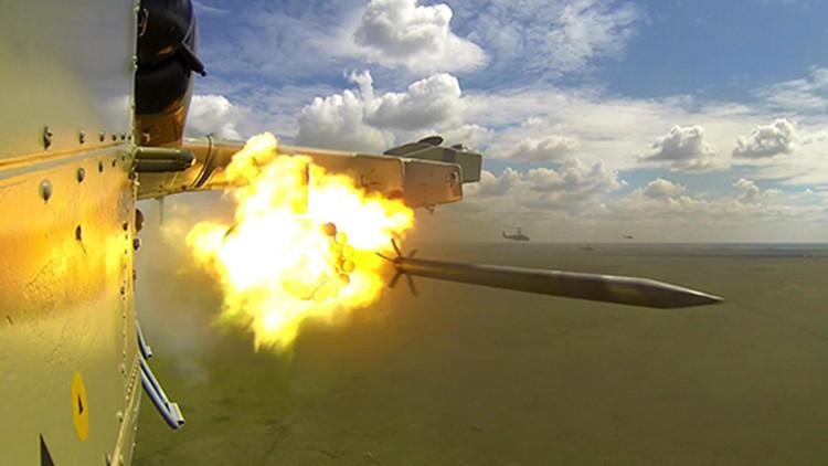 El Ministerio de Defensa ruso muestra ataques con misiles desde sus aeronaves (Video)