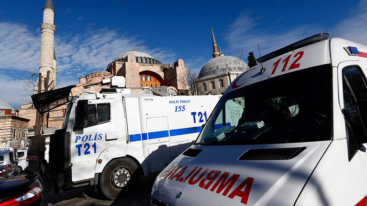 Foto: Una explosión sacude un edificio de oficinas en Estambul