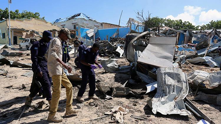 FUERTE VIDEO: Así quedó el objetivo de los terroristas en Somalia atacado con un coche bomba