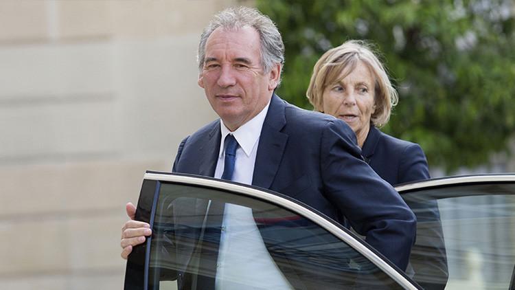 Otros dos ministros franceses anuncian su dimisión poco antes de la formación del nuevo gobierno