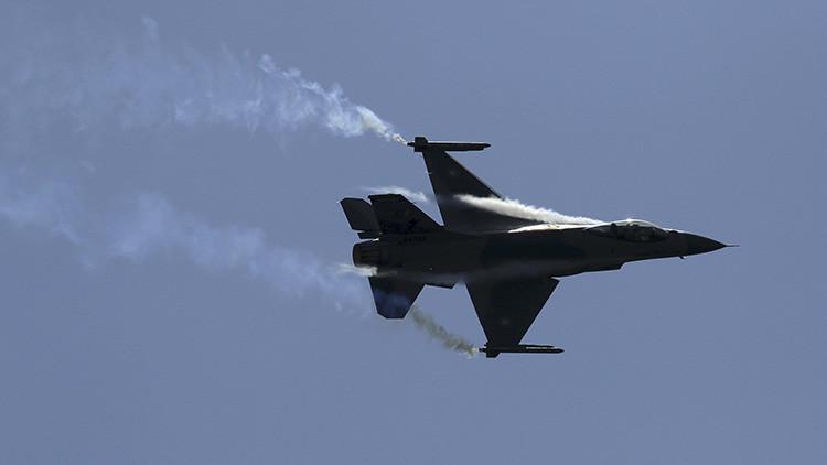Un caza F-16 de la OTAN intentó acercarse al avión del ministro de Defensa ruso en el Báltico