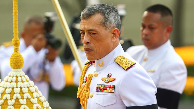Alemania: Dos adolescentes disparan al rey de Tailandia con pistolas de aire comprimido