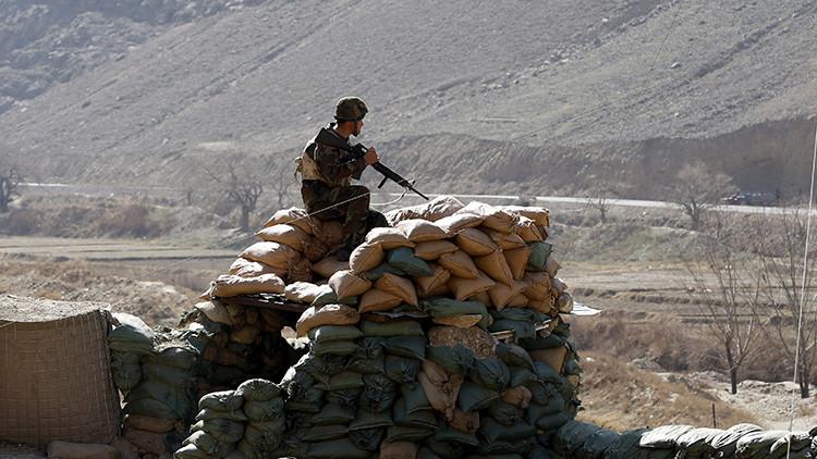 """""""Es una locura"""": El Pentágono gasta millones de dólares y deja 'sin camuflaje' a las tropas afganas"""