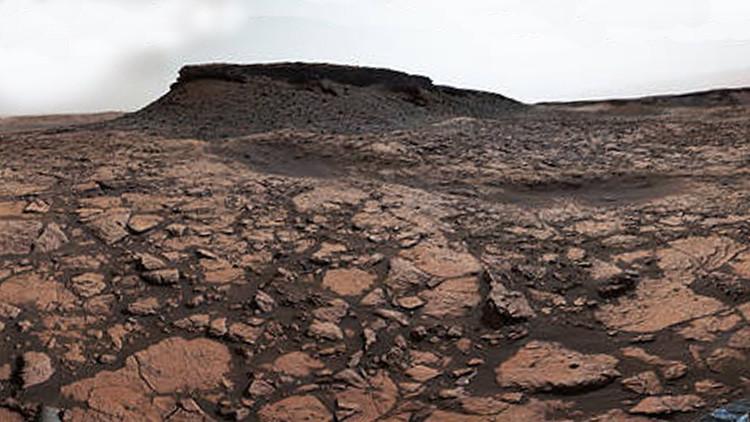 La NASA capta una inusual imagen del Curiosity transitando por Marte (FOTO)