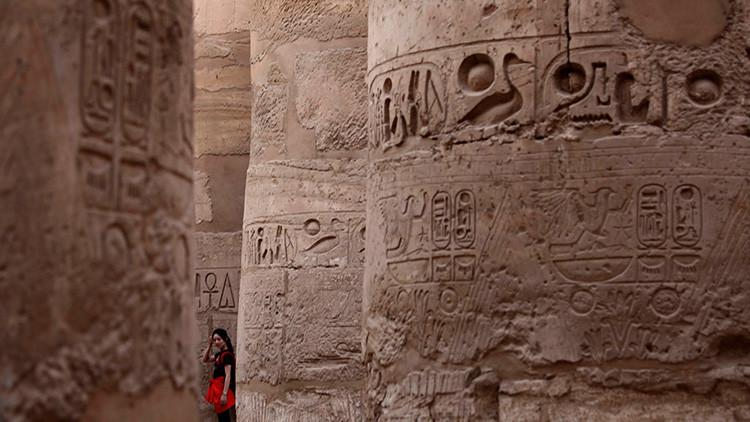Descubren jeroglíficos de gran tamaño realizados hace 5.200 años en Egipto