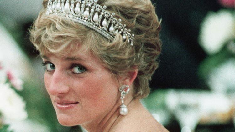 ¿Ordenó la reina Isabel II el asesinato de Diana de Gales? Así lo creen millones de británicos