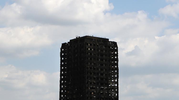 Revelan la causa del devastador incendio de la torre residencial de Londres