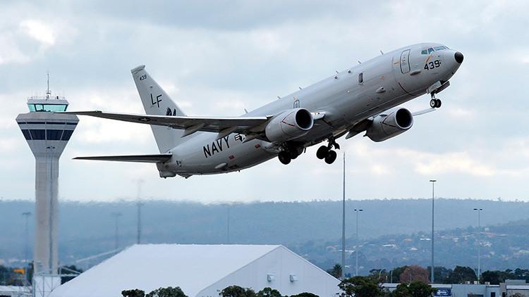 En primera fila: Avión militar de EE.UU. sigue de cerca el ataque de buques rusos al Estado Islámico
