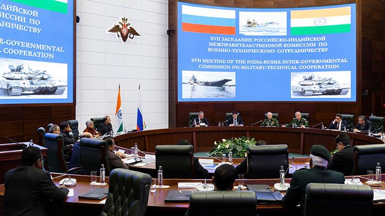 Rusia e India estrechan sus lazos militares