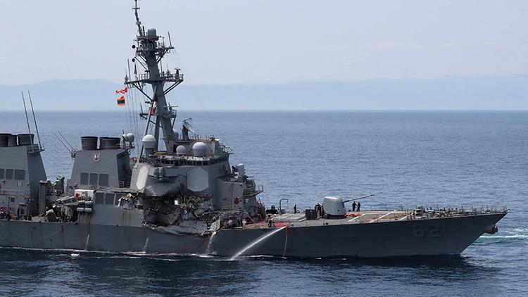 El buque mercante que chocó con un destructor de EE.UU. cerca de Japón estaba en piloto automático