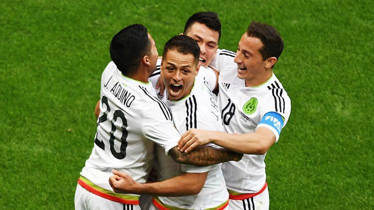México clasifica a las semifinales de la Copa Confederaciones tras vencer 2-1 a Rusia