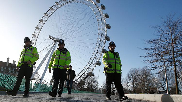 """Evacúan uno de los lugares más turísticos de Londres por bomba de """"Primera o Segunda Guerra Mundial"""""""