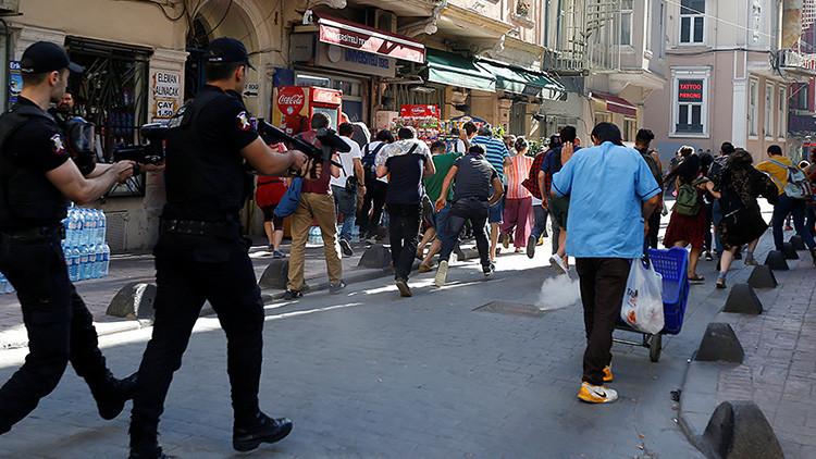 Turquía: Policía dispersa marcha del Orgullo LGBT en Estambul, prohibida en el país (FOTOS, VIDEO)