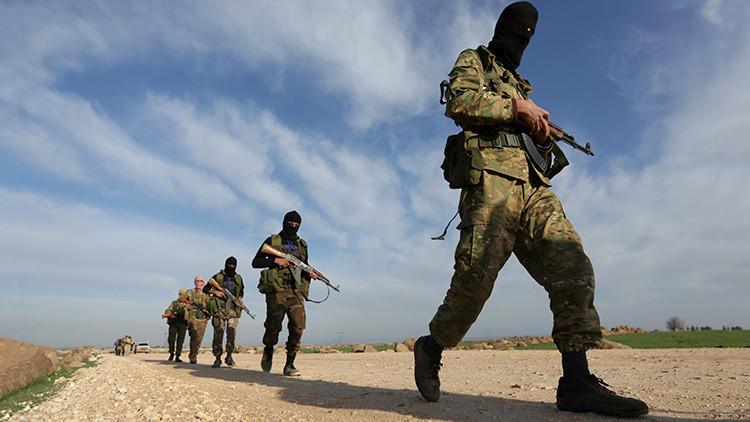 Castigo 'sagrado': yihadistas disparan a civiles afganos que se negaron a portar sus armas