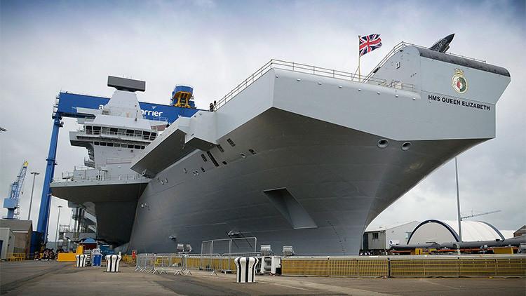 Video: El nuevo portaaviones británico zarpa por primera vez rumbo a alta mar