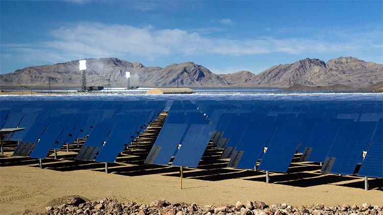 California genera tanta energía solar que paga a otros estados para que la usen