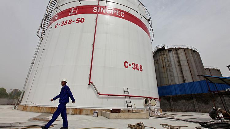 Una petrolera china suspende la venta de combustible a Corea del Norte