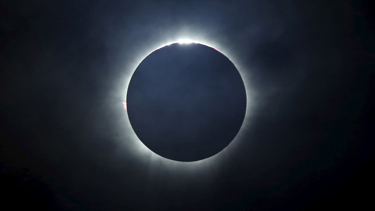 ¡Prepárense para 'el gran eclipse solar americano'!: Dónde y cuándo observarlo