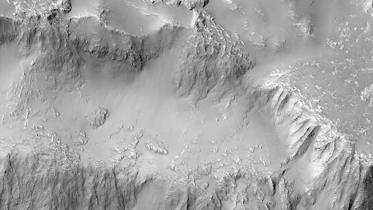 FOTO: La NASA muestra las impresionantes 'cataratas del Niágara' de Marte