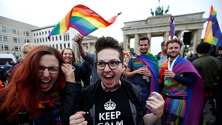 El parlamento alemán aprueba el matrimonio homosexual (con el voto en contra de Merkel)